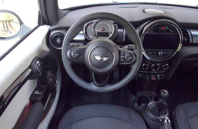 Kevés jobb üléspozíciójú autóban ültem az utóbbi másfél évben.