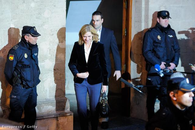 Krisztina hercegnő egy Palma de Mallorca-i bíróságról távozik meghallgatása után, 2014. február 8-án.