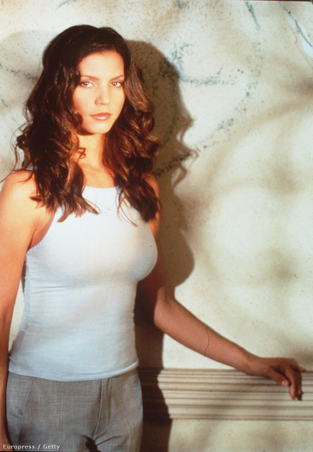 Charisma Carpenter 1998-ban