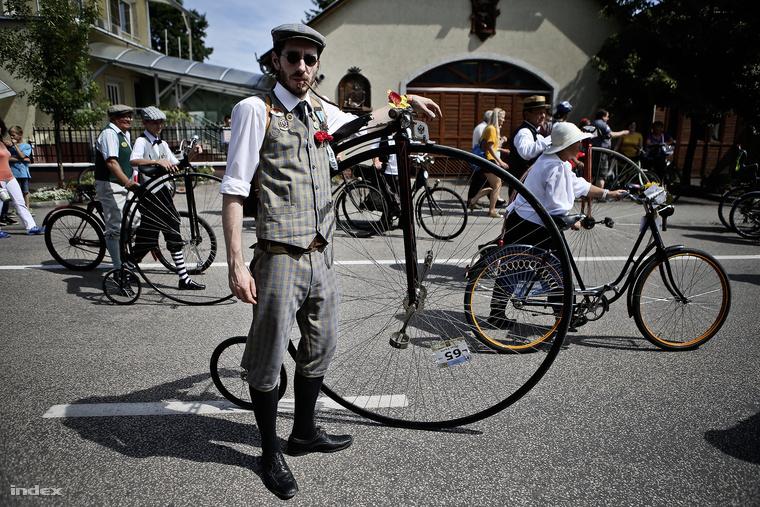 A velocipédek méretét mindig a lábhosszhoz igazítják
