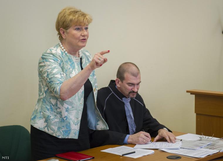 Szili Katalin a Szegedi Törvényszéken, 2014. május 19-én.