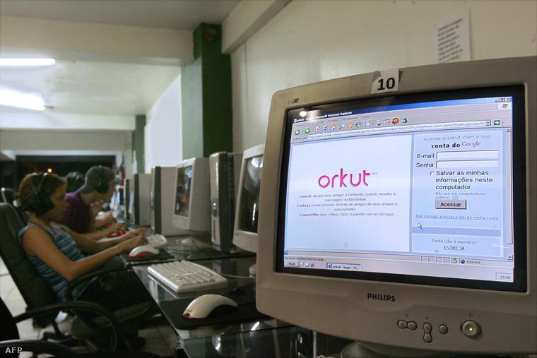 Orkut egy brazíliavárosi internetkávézó számítógépépén 2008-ban