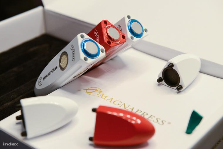 magnepress-3079