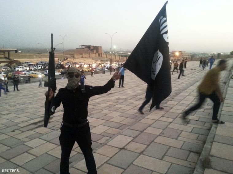 ISIS fegyveres Moszulban