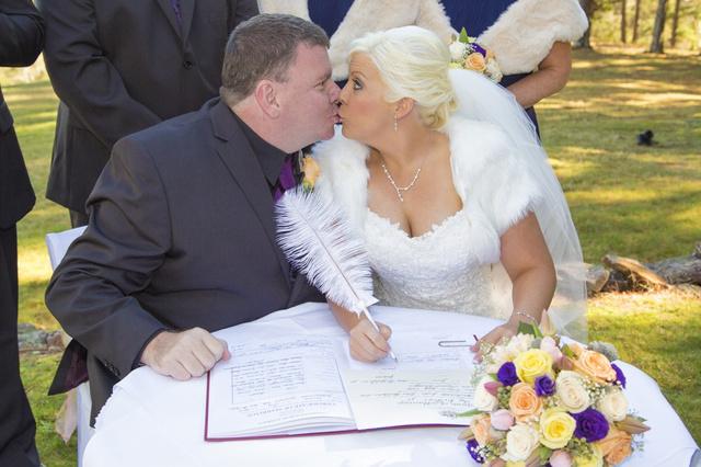 Az esküvő képeiért kattintson a fotóra!
