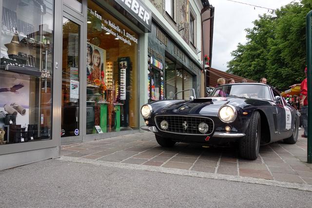 250 SWB, a kedvenc Ferrarim. Eric Claptonnak is ilyen volt
