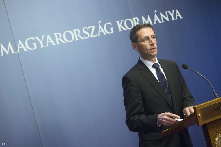 Varga Mihály nemzetgazdasági miniszter 2014. június 25-én