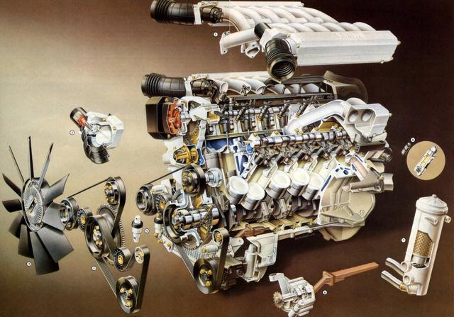 Nincs egyszerű V12-es. Ez sem az, pedig vezérműtengelyből is csak kettő van benne, szelepből pedig 24.