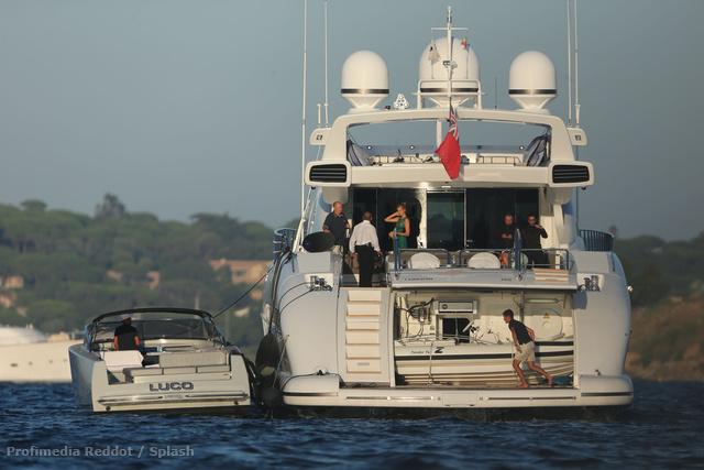 DiCaprio ezen a jachton érkezett.