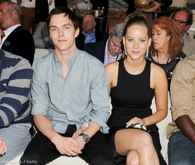 Nicholas Hoult és Jennifer Lawrence