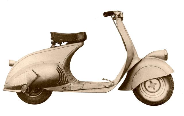 A világ első Vespa robogója. Enrico Piaggio nevezte így, a név olaszul dongót jelent. Az MP6 modell 1946-ban jelent meg. Ez nem automata robogó, hanem kéziváltós. Motorja kétütemű, kilencvennyolc köbcentis
