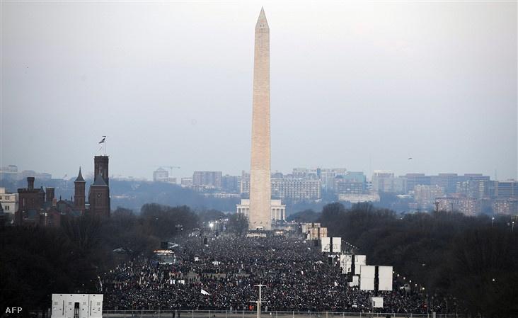 Az emlékmű Obama beiktatásakor