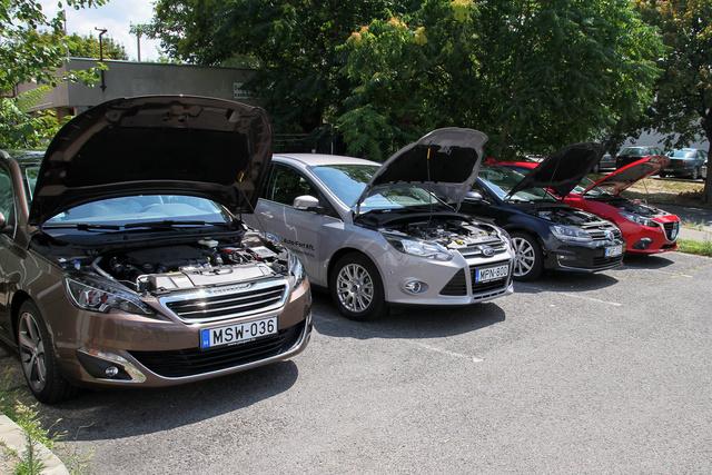 Nyáron négy autóhoz négy ember, ez azt jelenti, hogy szinte senki nem maradt a szerlesztőségben
