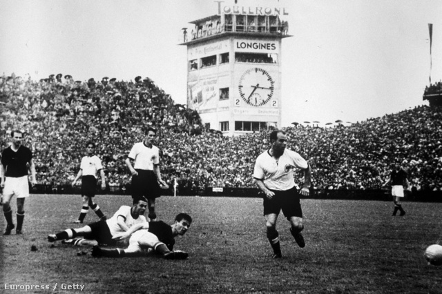 Csoda Bernben, ami számunkra az egyik legnagyobb csalódás volt. Hatvan éve a magyar válogatott kétgólos előnyről bukta el a vb-döntőt.