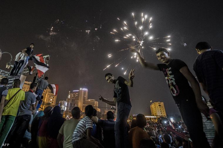 Szíszi-elnök júniusi győzelmét ünneplik a Tahrír téren