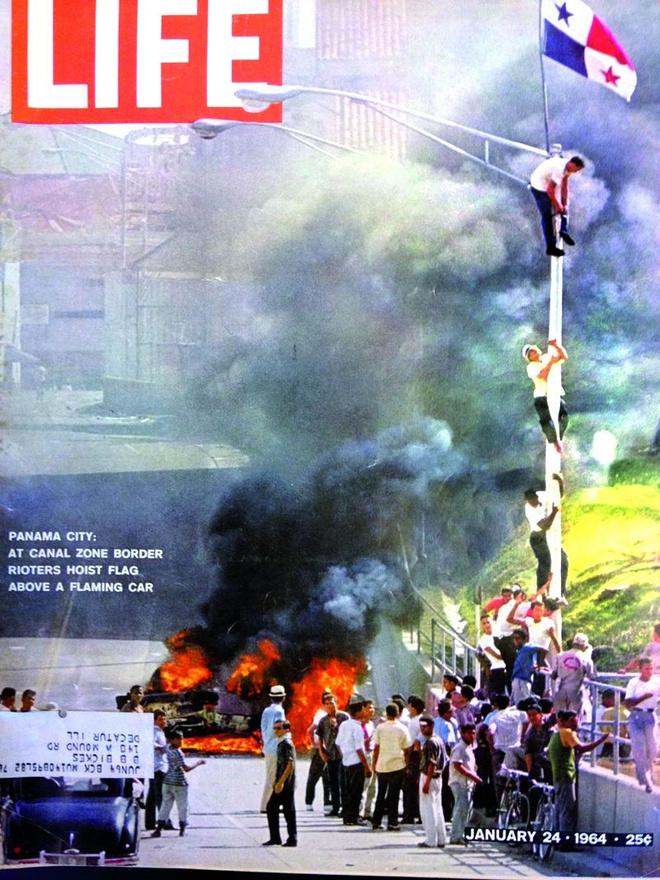 A Life magazin címlapon hozza az 1964. január 9-én kitört zavargásokat, amikben 21 panamai lakos és 3 amerikai katona vesztette életét. Január 9. Panamában ma állami ünnepnap, a Hősök napja néven került be a naptárakba. Az események akkor durvultak el, amikor diákok a panamai zászlót szerették volna felhúzni egy amerikai állampolgárok gyerekeinek fenntartott iskolában annak ellenére, hogy a zónán belül sem a panamai, sem az amerikai zászlót nem húzták fel, ha nem volt muszáj. Az események során kialakult lökdösődés során a zászló elszakadt, és ez szimbolikus jelentőséggel bírt: ezt a zászlót ugyanis már 1947-ben is használták az amerikai erők állomásozását lehetővé tevő megegyezés ellen tiltakozók. A felháborodott tömegek kővel dobálták meg a rendőröket, akik éles lőszerrel válaszoltak. A helyzetet végül az amerikai hadsereg akciója rendezte el. Az alig pár napos eseménysorozat még most sem tisztázott, az amerikaiak szerint például a panamai felkelők egymásra is lövöldöztek, a panamaiak szerint ez egyértelmű hazugság