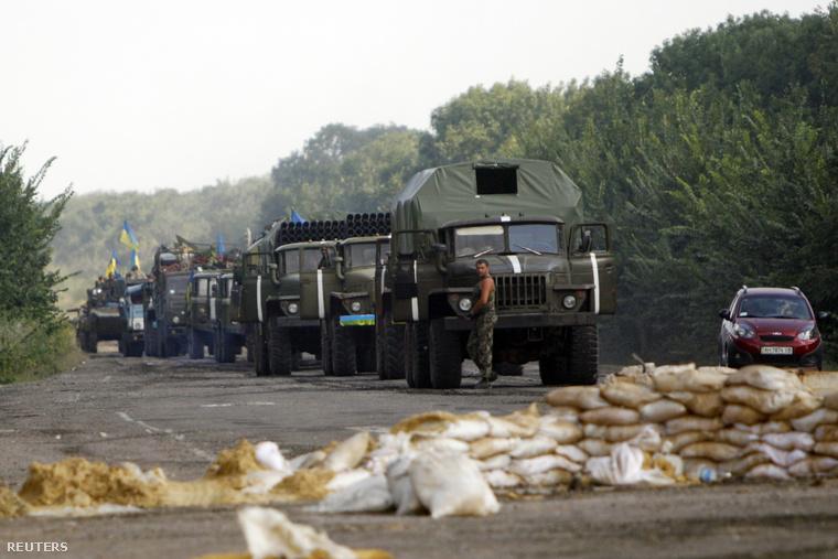 Ukrán katonai konvoj Donyeck környékén