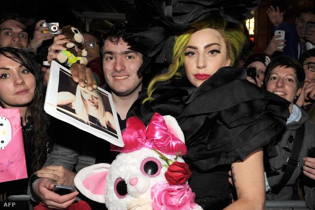 000 483665963LL013 Lady Gaga Li
