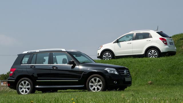Ha nem pont a GLK állna itt, hanem egy átlagos közepes SUV, nem izzadna ennyire a Korando
