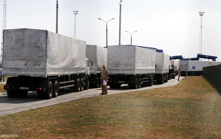 Az orosz segélykonvoj az ukrán határon