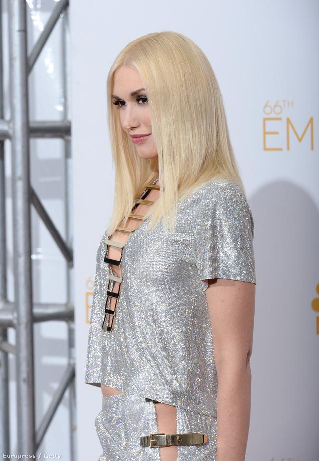 Gwen Stefani egy saját tervezésű ruhában