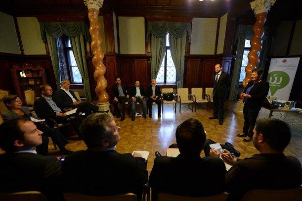 Felsővezetői integritásmenedzsment tréning 2013. októberében.
