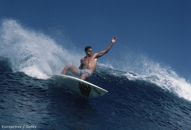 Laird Hamilton egy 1984-es fotósorozat képein