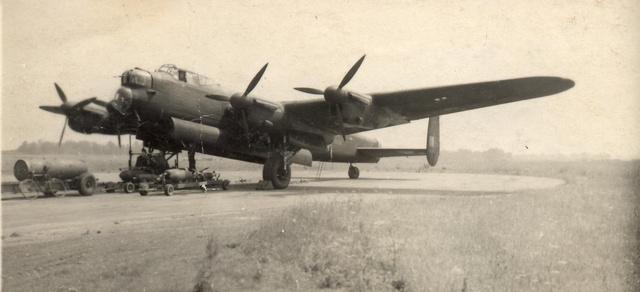 Ilyen Lancaster bombázók támaszpontja volt Croft a második világháború alatt