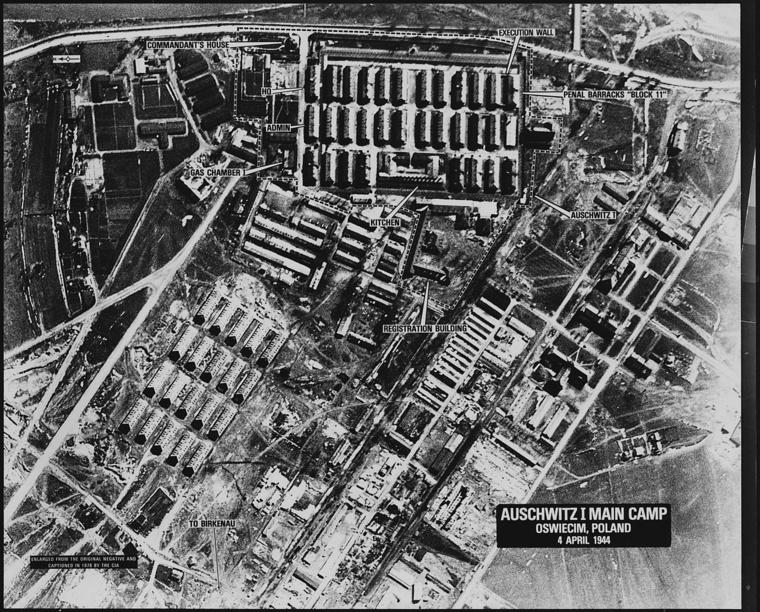 A CIA 1944-es légifotói