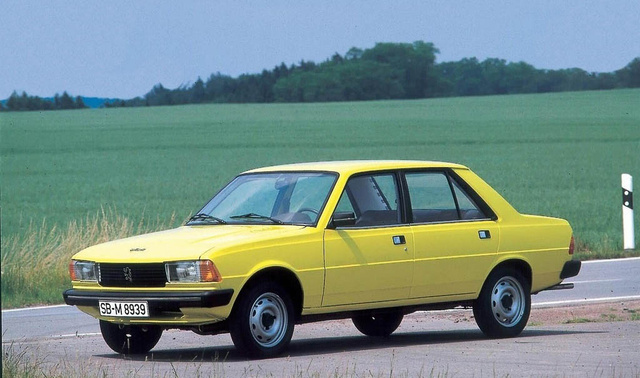 A hetvenes években mér a háromdobozos forma ment a Peugeot-nál, ez itt a 305-ös