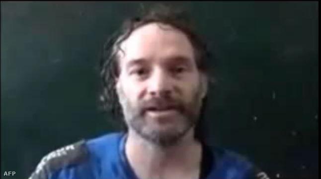 Peter Theo Curtis a fogvatartói által nyilvánosságra hozott videóban