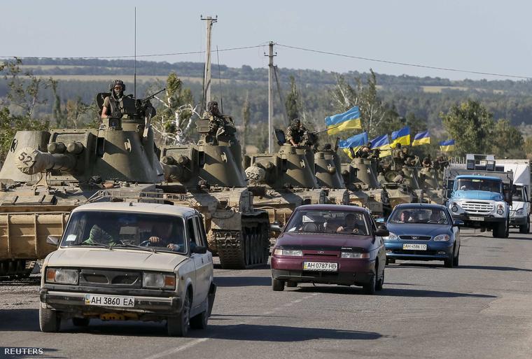 Ukrán harckocsik Szlavjanszknál