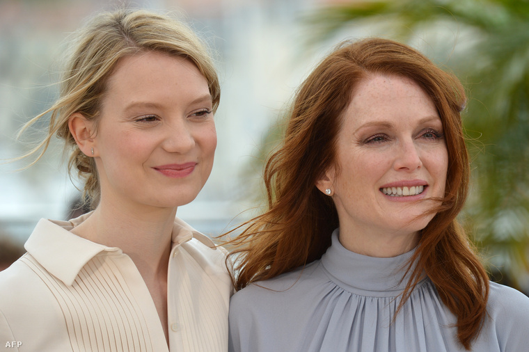 Mia Wasikowskával, filmbéli partnerével a cannes-i filmfesztiválon