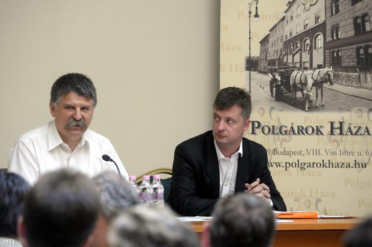 Kövér László és Kubatov Gábor a Fidesz országos választmányának ülésén 2010-ben