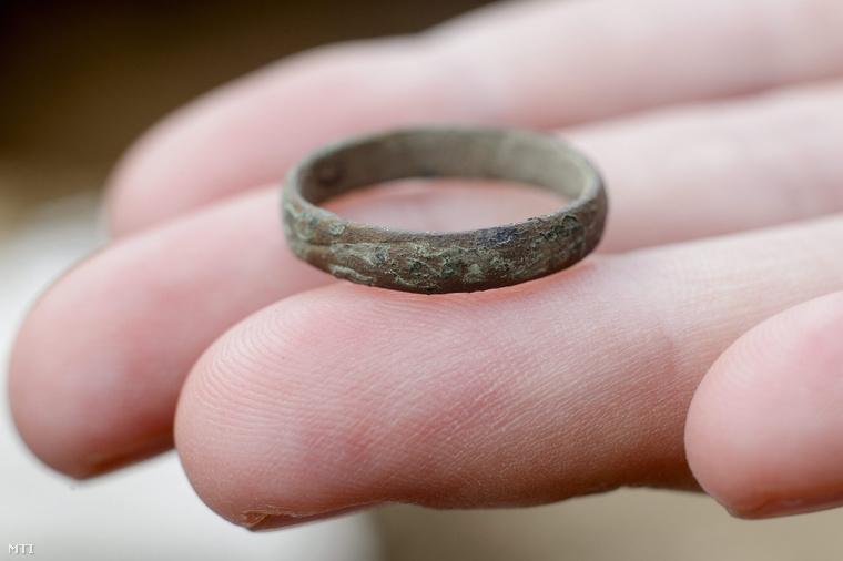3-5. századból származó gyűrű