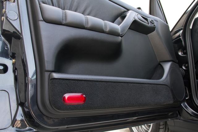 Érzik, hogy egy kicsit mondvacsinált luxus a bőrös ajtó egy Golfban?
