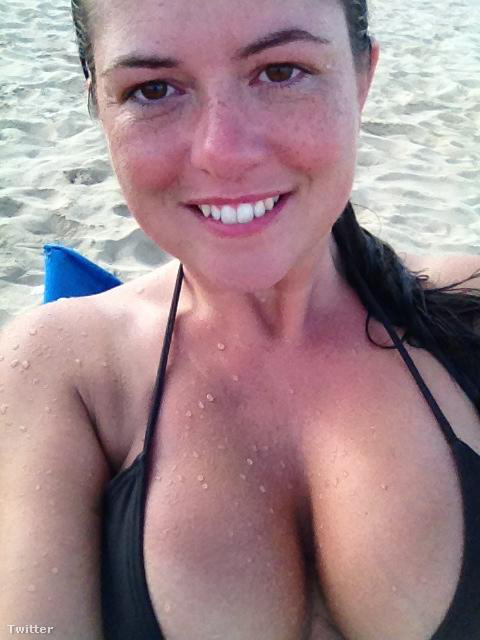 Karen Danczuk életében először úszott a tengerben.