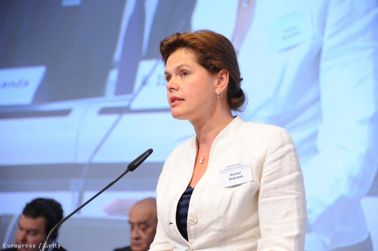 Alenka Bratusek Brüsszelben