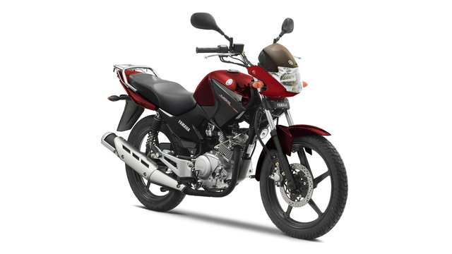 2014-Yamaha-YBR125-EU-Red-Spirit-Studio-001