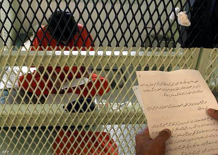 Egy rabnak üzenetet olvasnak fel