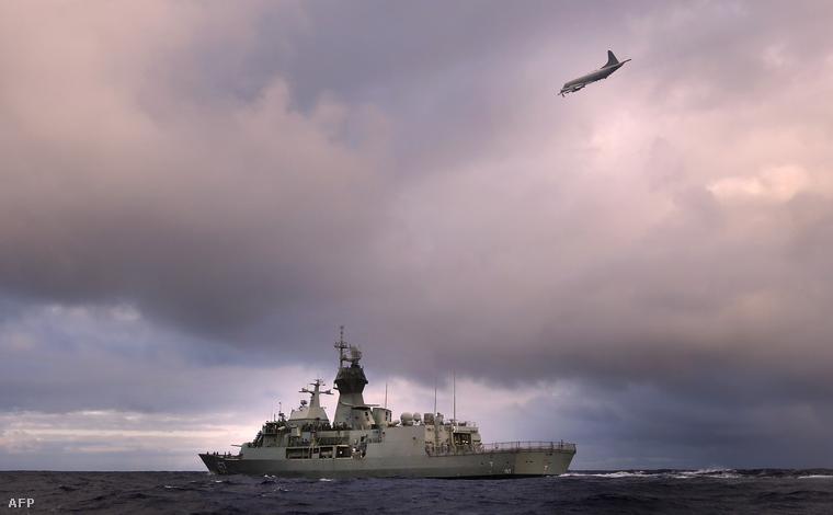 Az Új-Zélandi Haditengerészet keresést végző egységei áprilisban