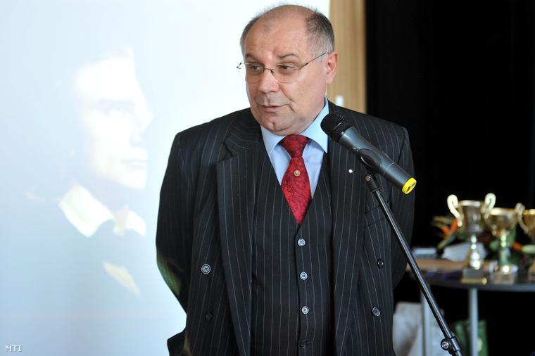 T. Mészáros András