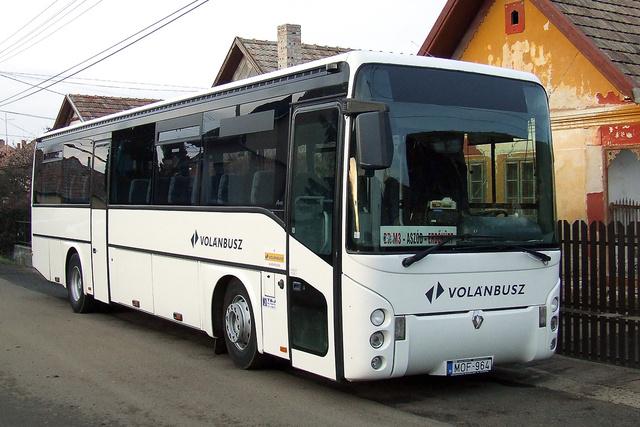 A T&J a kínai buszok kiváltására több különböző típust is vásárolt külföldről (fotó: Petruska Péter)