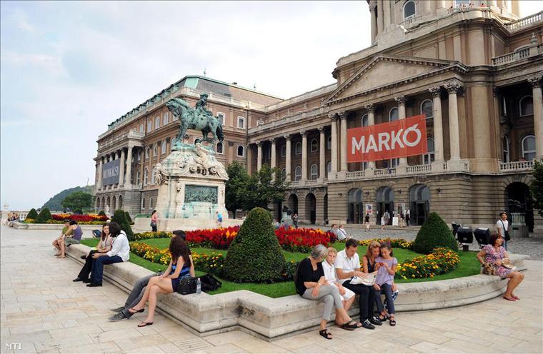 A Magyar Nemzeti Galéria jelenlegi helyén, a Várban