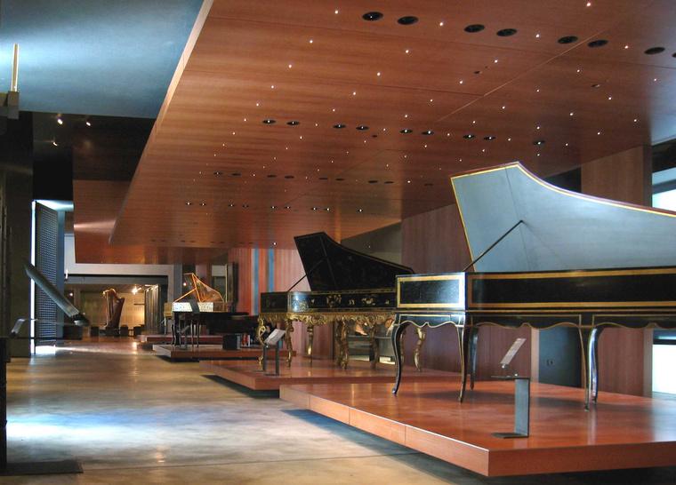 Csembalók a Cité de la Musique kiállításán