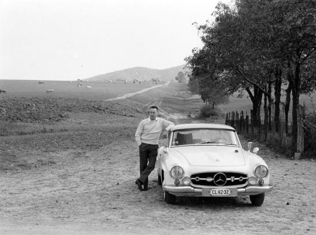 Jugoszláviában a 190 SL-lel. Két magyar filmben is játszott az újonnan vásárolt sportkocsi. Kis kitérő után ma is a családban van, a fiáé, Sándoré