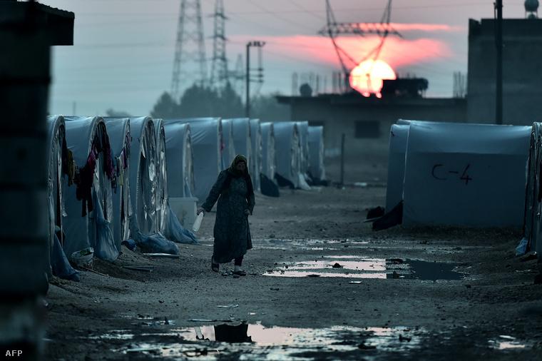 Hajnal egy kurd menekülttáborban