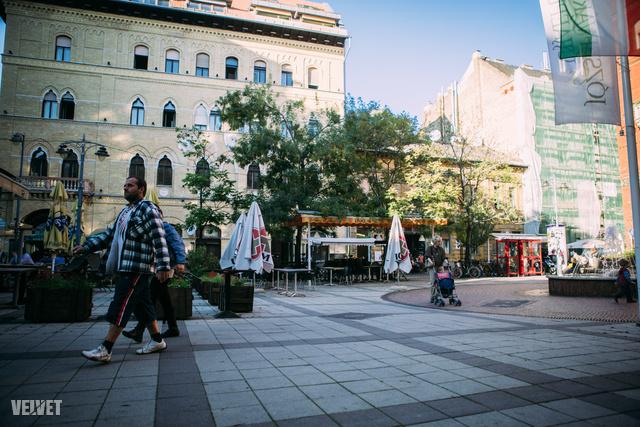 Lőrinca pap tér/Mikszáth Kálmán tér/Reviczky utca