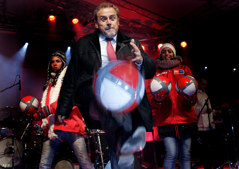 Milan Bandic, Zágráb polgármestere 2009-ben, egy kampányeseményen