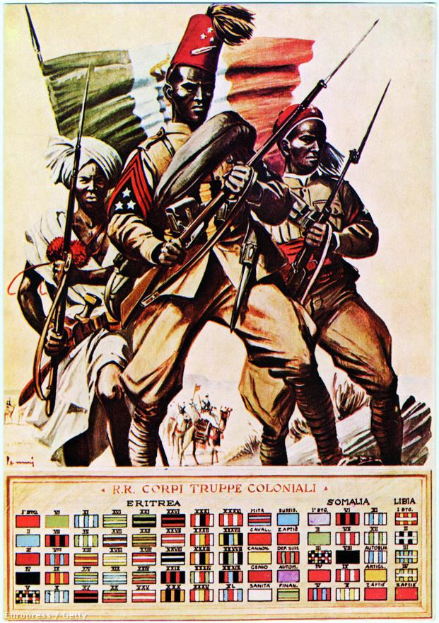 Az olasz hadpropaganda büszke plakátja, rajta az észak-afrikai gyarmatok hadseregének három katonája, kezében puskával. Az Eritreából, Szomáliából és Líbiából származó katonák alatt a gyarmati hadsereg osztagjelzései láthatók.